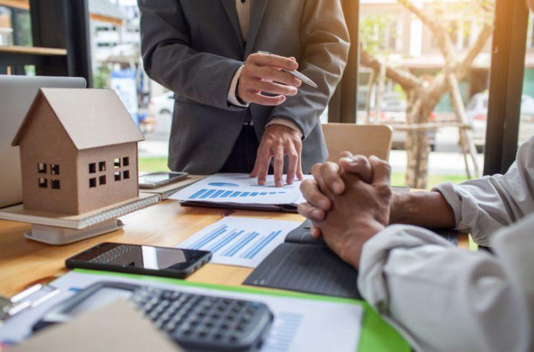 Investidores Confiança Setor Investimento Retalho Imobiliário Logística Habitação